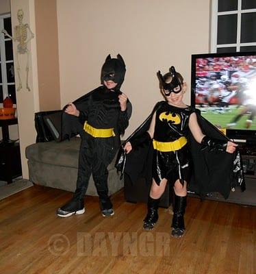 Baby_Batman_and_Batgirl_Posing