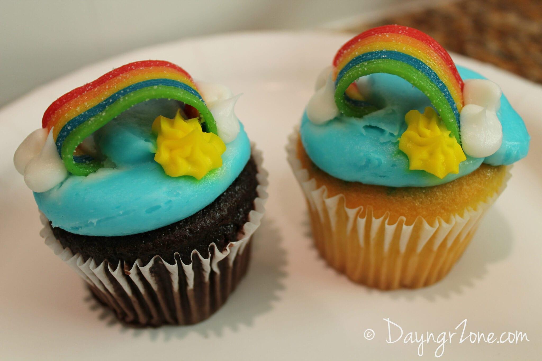 st. patrick's day cupcakes, rainbow cupcakes
